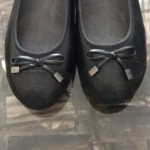 Vionic Shoes - Vionic Black Flats